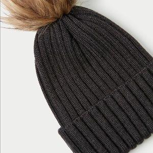Aritzia Accessories - 100% Merino Wool Beanie Auxiliary Aritzia
